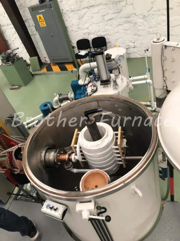 Vacuum Induction Melting Furnace chamber